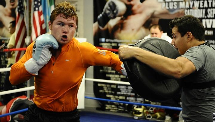 Бокс видео: онлайн бои Сантоса Сауля Альвареса, часть 1