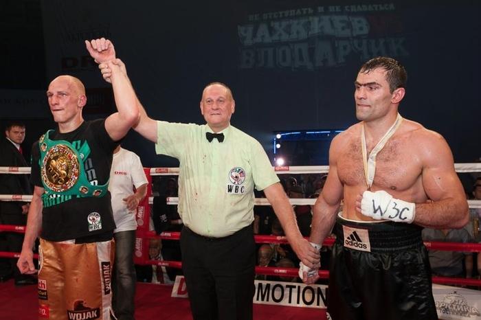 Бокс видео: онлайн бой Рахим Чахкиев — Кшиштоф Влодарчик